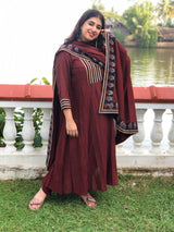 Ariaa Kali Pleated Natural Dyed Kurta 3 Pc Set