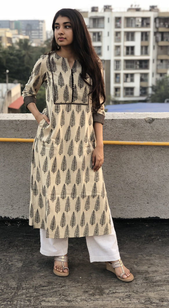 Ivory Aasopalav Threaded Kurta