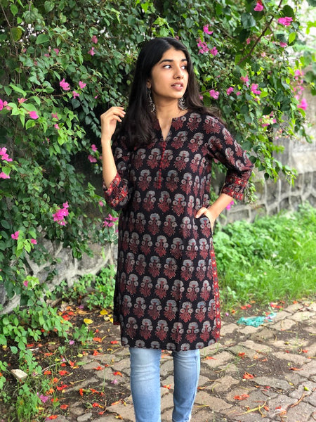 Midnight Dahlia Short Cotton Kurta