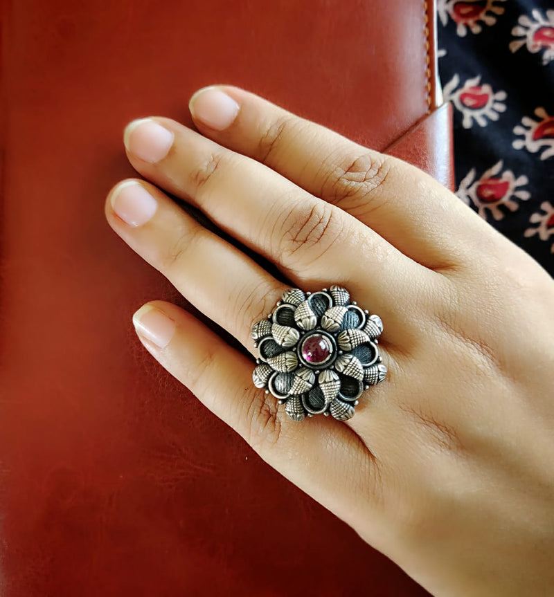 Pure Temple Ring - Flower Motif