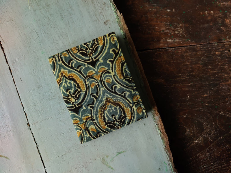 Handmade Design Cotton Unisex 6 Slot Cardholder