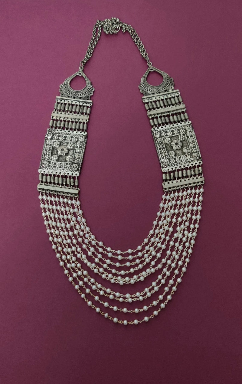 Queen's Necklace with Pearls