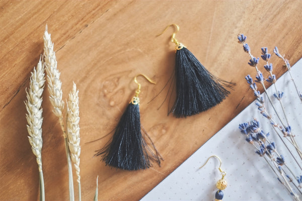 Tassel Earrings | by X - helloflowerssg