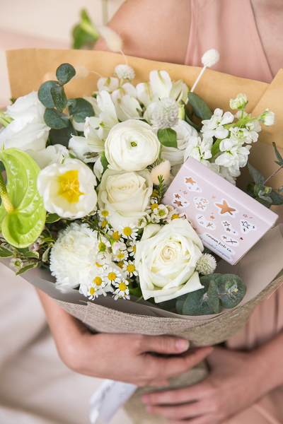 Valentine's | Celia White & Green - The Mindful Company x Hello Flowers! Gift Set Available