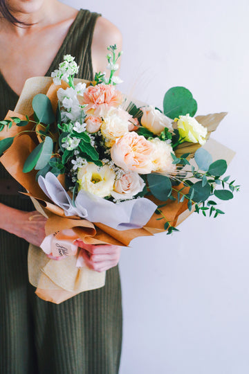 Valentine's 21 | Amelia (Bouquet with Juliet, Mentha Roses and Caramel Carnation)