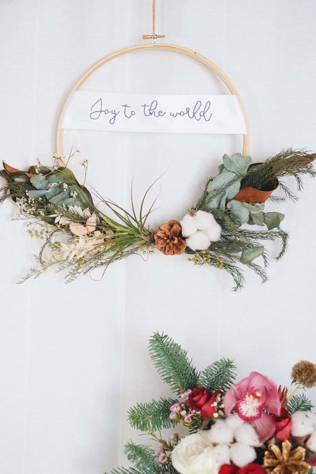 Hello Christmas! 18 | Ally Crafts Co x hello flowers! Embroidered Greetings Wreath - hello flowers!
