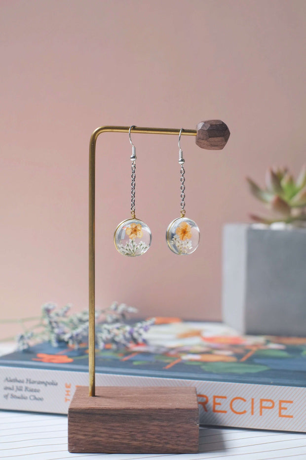 Dried Flower Dangle Earrings (Coral) | Earrings by X - hello flowers!