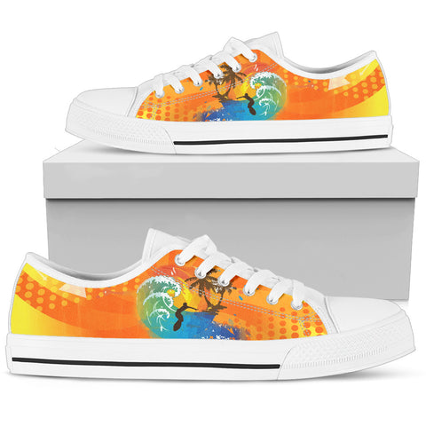 Surfing Women's Low Top Shoe