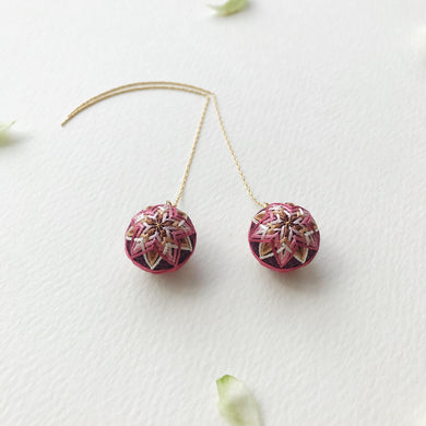 Temari Mame-suzu Temari pierced earrings / earrings Chou shun ka (China rose ) maroon
