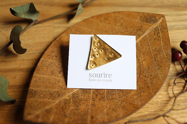 sourire brass accessory  brooch / planet traiangulaire(planet triangle)