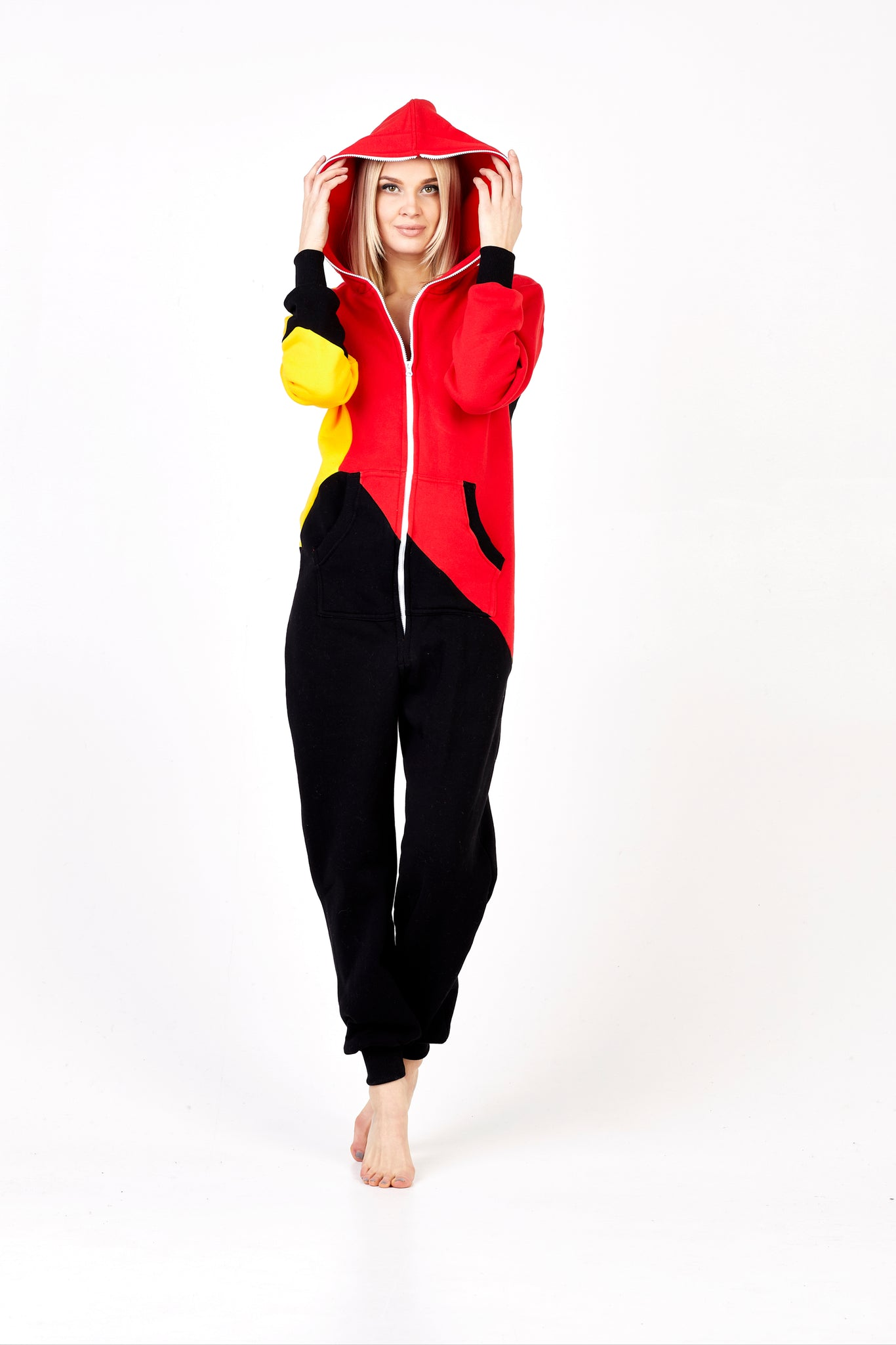 Tricolor Onesie Bruber Sofa Killer