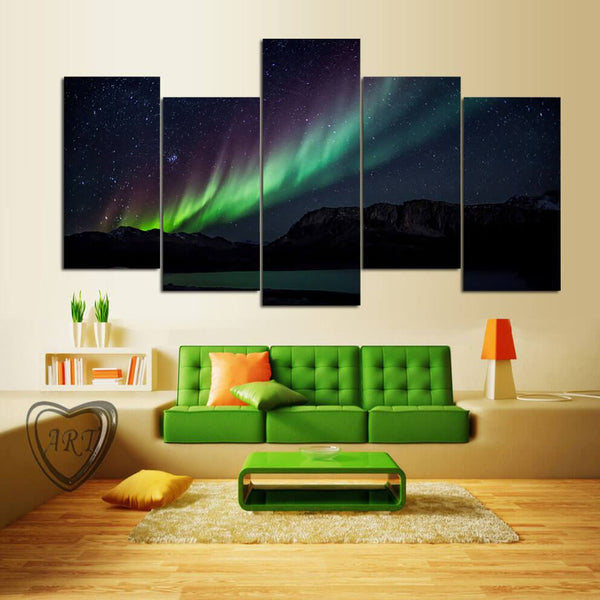 Aurora Borealis At Night Sky - Gaia-Stock.com