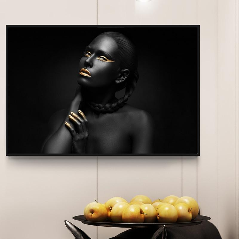 Gold&Black Girl - Gaia-Stock.com