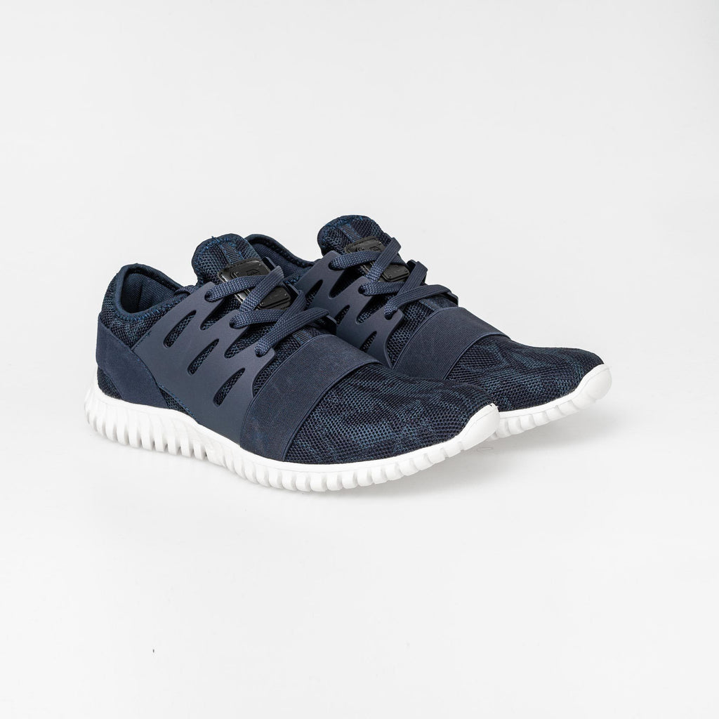 Urbo Trainers 7 / Sky Captain Footwear