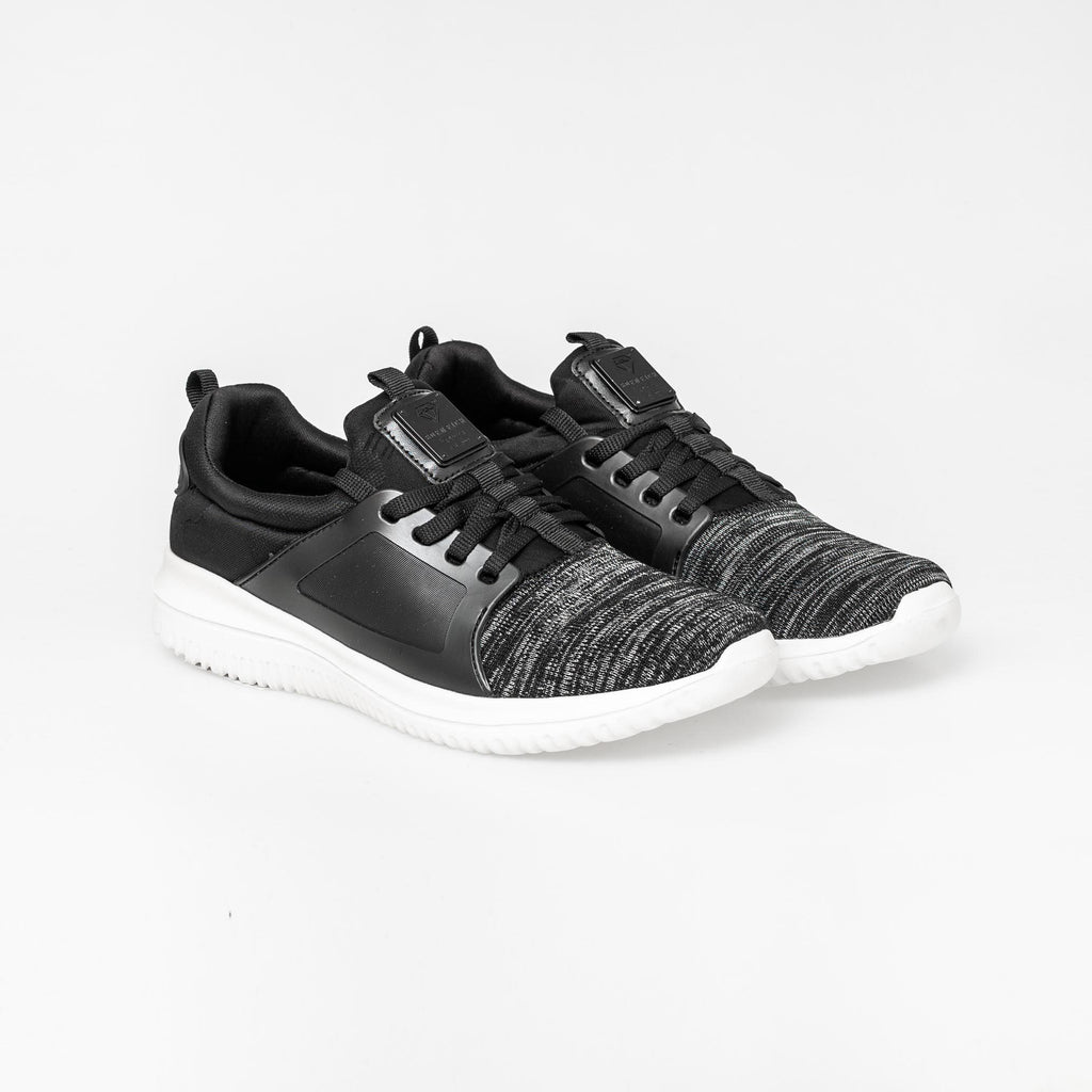 Carnaby Trainers 7 / Black Footwear