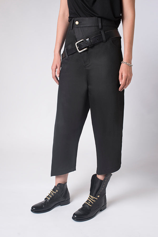 Black Wilde Breeches