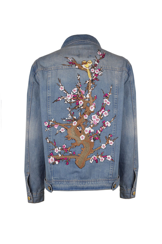 Jean jacket with floral embroderie at the back