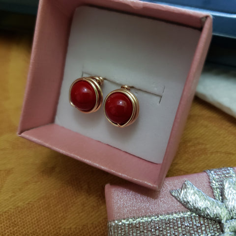 Red freshwater pearl gold stud earrings