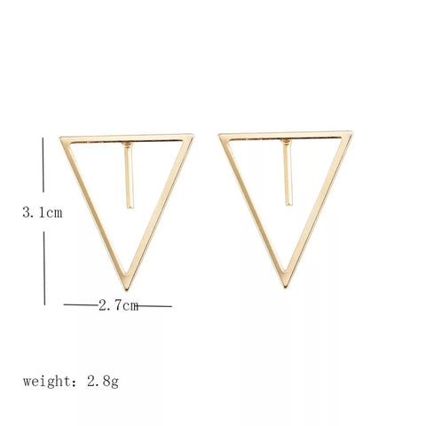 Geometric earring with short line charm