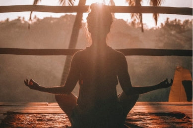 Benefits of Meditation - Less Stress and Glowing Skin