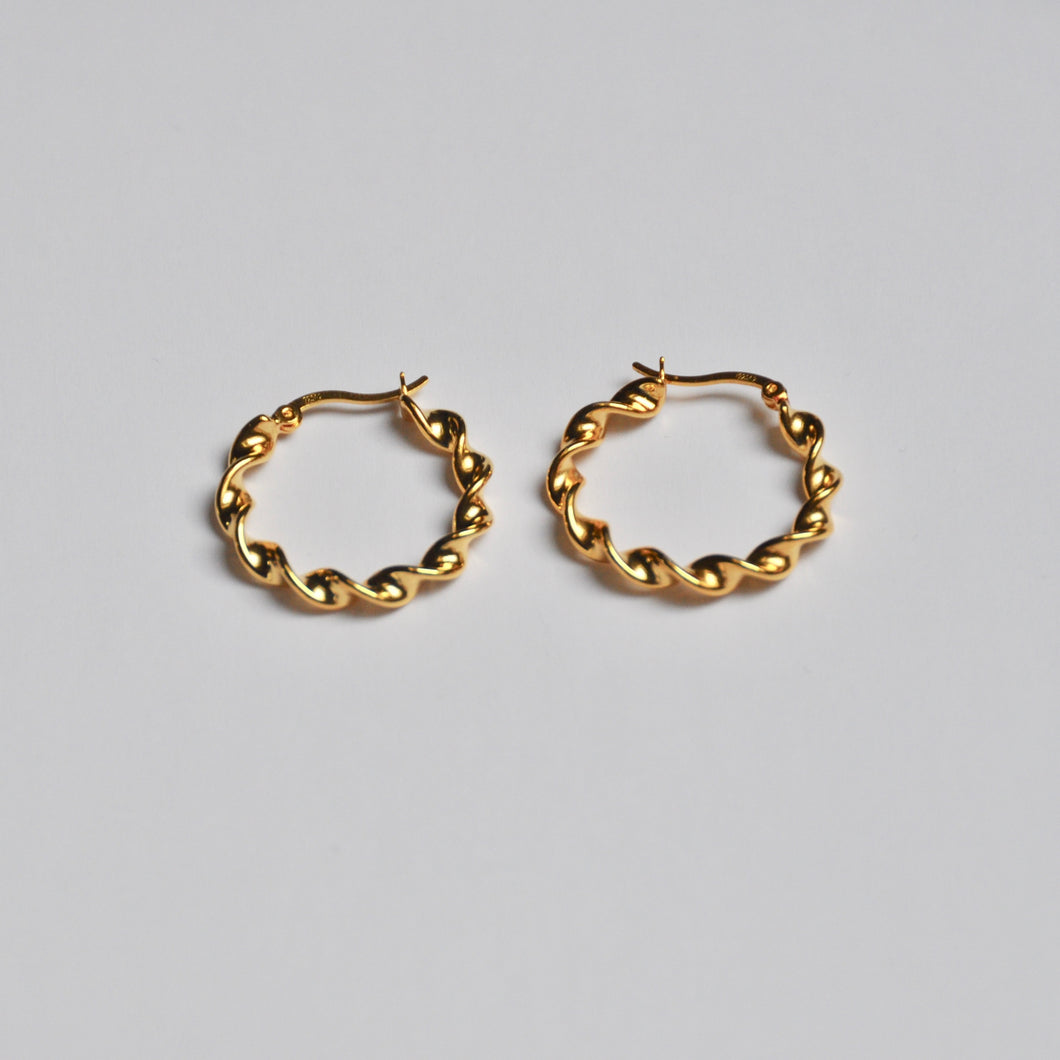 Medium Vintage Hoops Gold