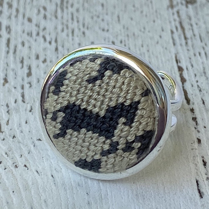 Black and Tan Horse Houndstooth Needlepoint Ring