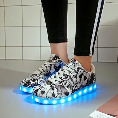 Rechargeable Glowing Sneakers - White / 6 - Boys