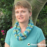 Chinese Fans Infinity Scarf Pattern - Light weight, spring infinity scarf knitting pattern