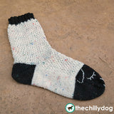 Sleepy Sheep Socks - Cute wool sheep socks knitting pattern