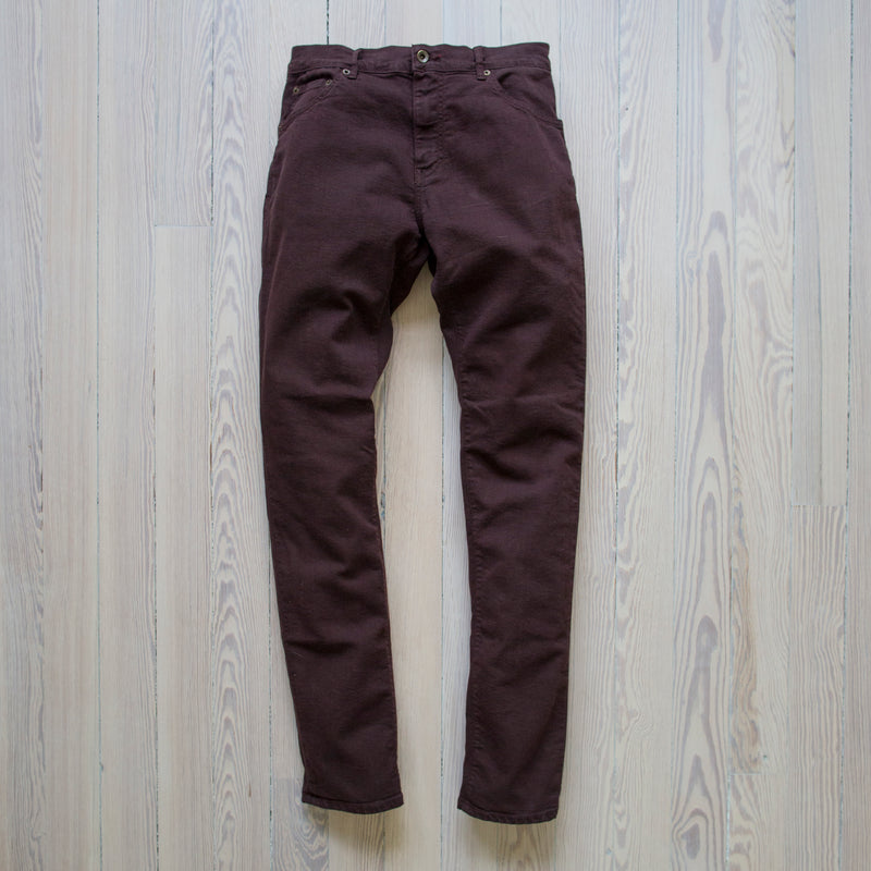 angle: currant Raleigh Denim Workshop flat alexander stretch pants currant