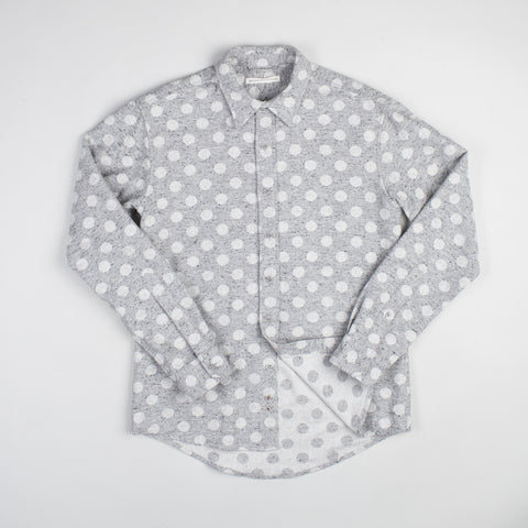 angle: grey heather | Raleigh Denim Workshop Classic Button-up: Slub in grey heather polka dot, front on model.