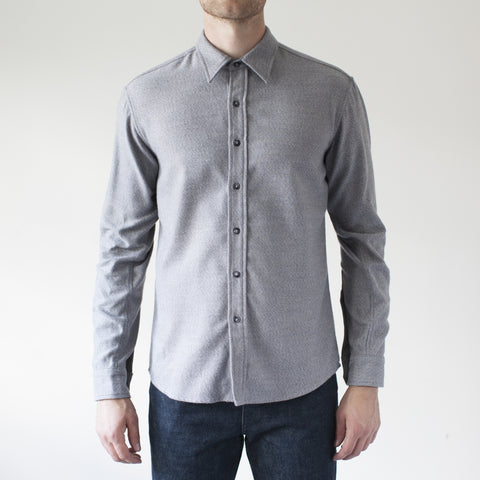 angle: grey heather | Raleigh Denim Workshop Classic Button-up: flannel twill in grey heather, front on model.