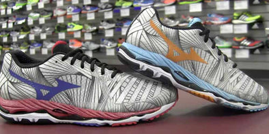 Mizuno Wave Paradox & Wave Prophecy 3 - Running Shoe Previews (Video)