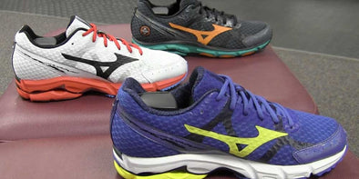 Mizuno Wave Rider 17 Release (Video)