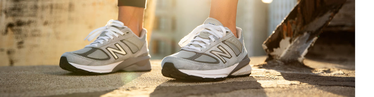 New Balance 990v5 Running Shoes