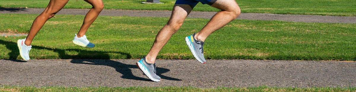 Wide Running Shoes – Saucony – Holabird