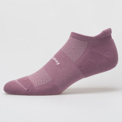 Feetures High Performance Cushion No Show Tab Socks