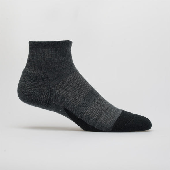 Feetures Merino 10 Cushion Quarter Socks