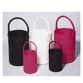 2.5 Liter Capacity, White, Large Safety Carrier