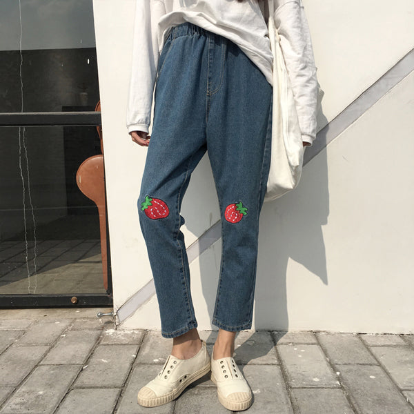 Strawberry Knees Jeans - Very Peachy Clothing