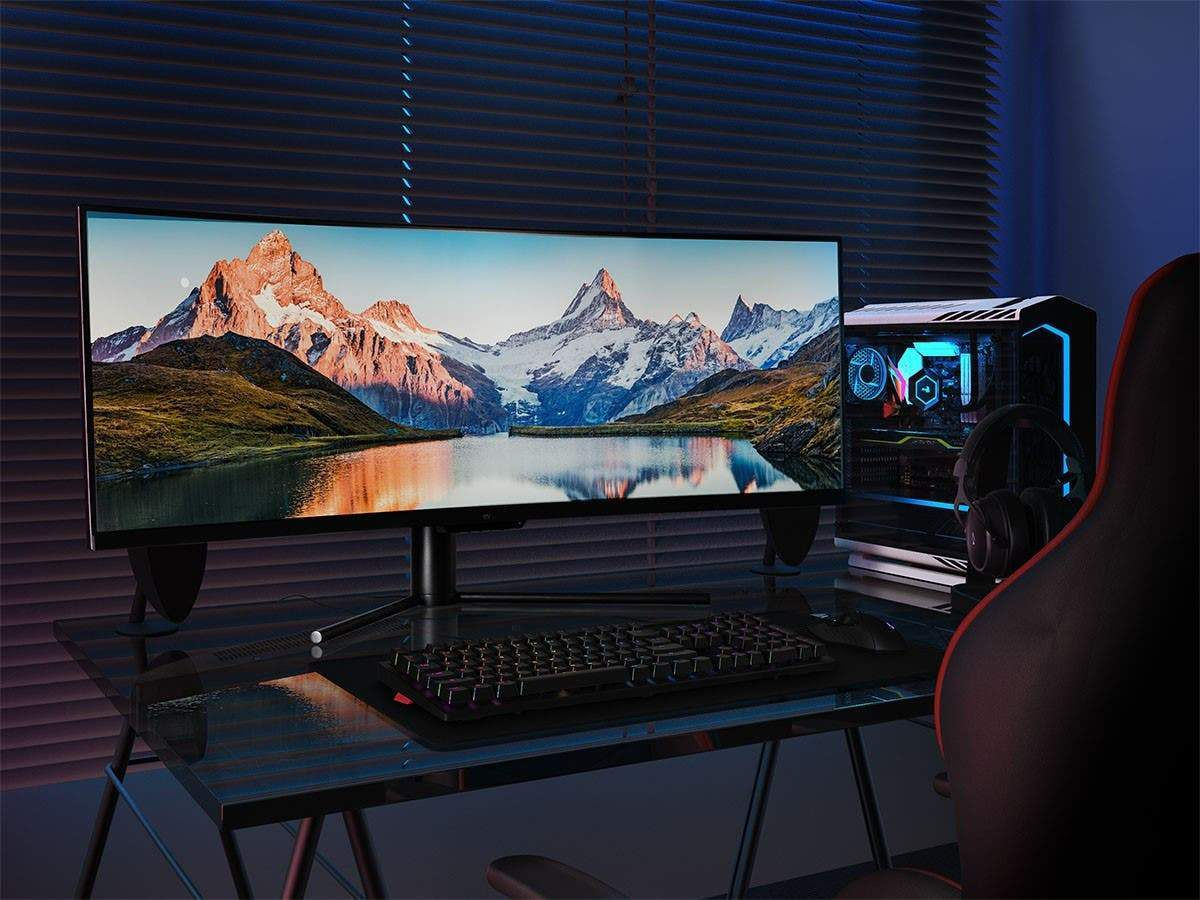 Monoprice 43in CrystalPro Curved Monitor - 1800R, DFHD, 120Hz, DisplayHDR 400, AMD FreeSync, Quantum Dot, VA (EU/UK)