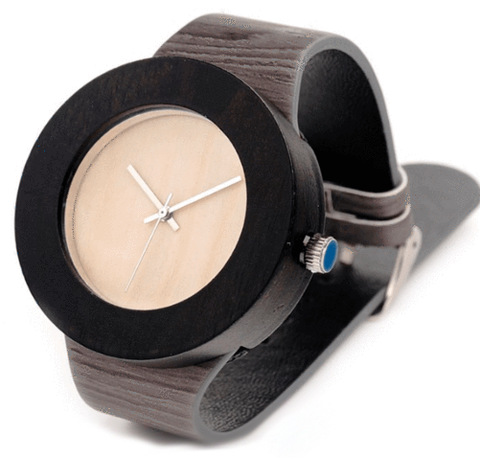 Women's Handcrafted 100% Natural Wooden Watch // Personalized Engravings // Leather Strap // Fox - Woodzystore