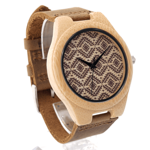 Unisex Handcrafted 100% Natural Wooden Watch // Personalized Engravings // Leather Strap // Zigzag - Woodzystore