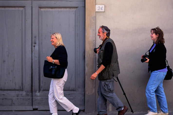 Three Walking, Cortona