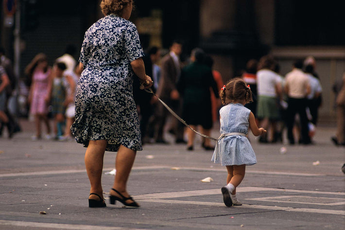 Woman with Child on Leash, Milan