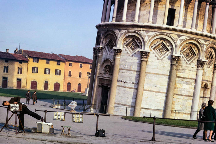 The Leaning Photographer of Pisa