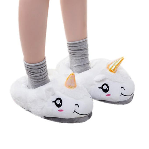Plush Unicorn Slippers - All Eyes on Her