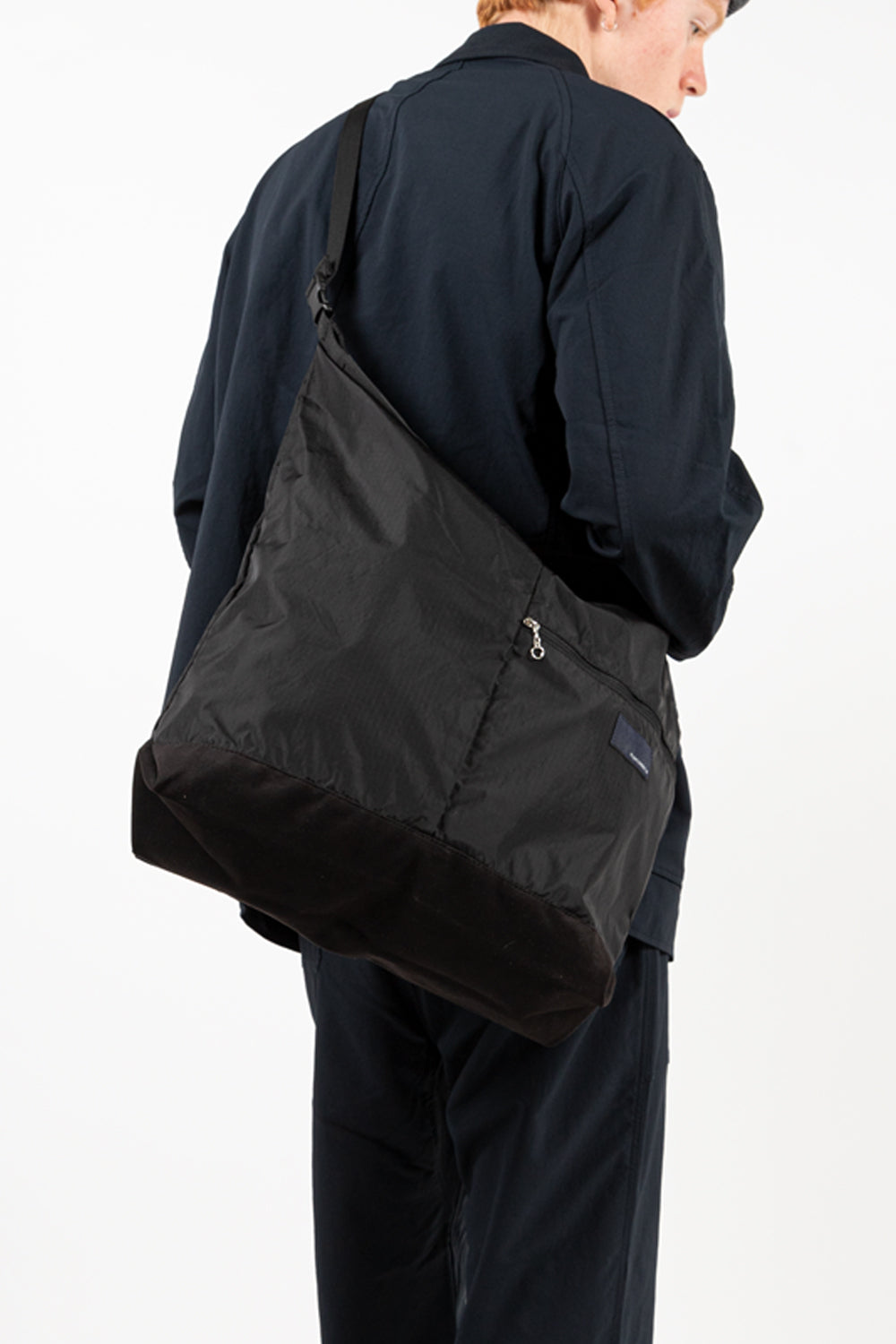nanamica shoulder bag in black