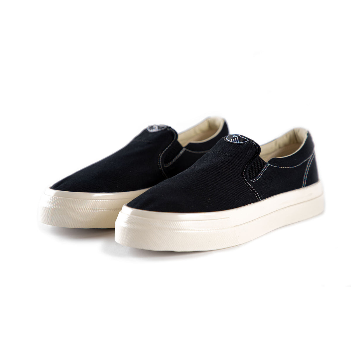 Stepney Workers Club Lister Canvas in Black