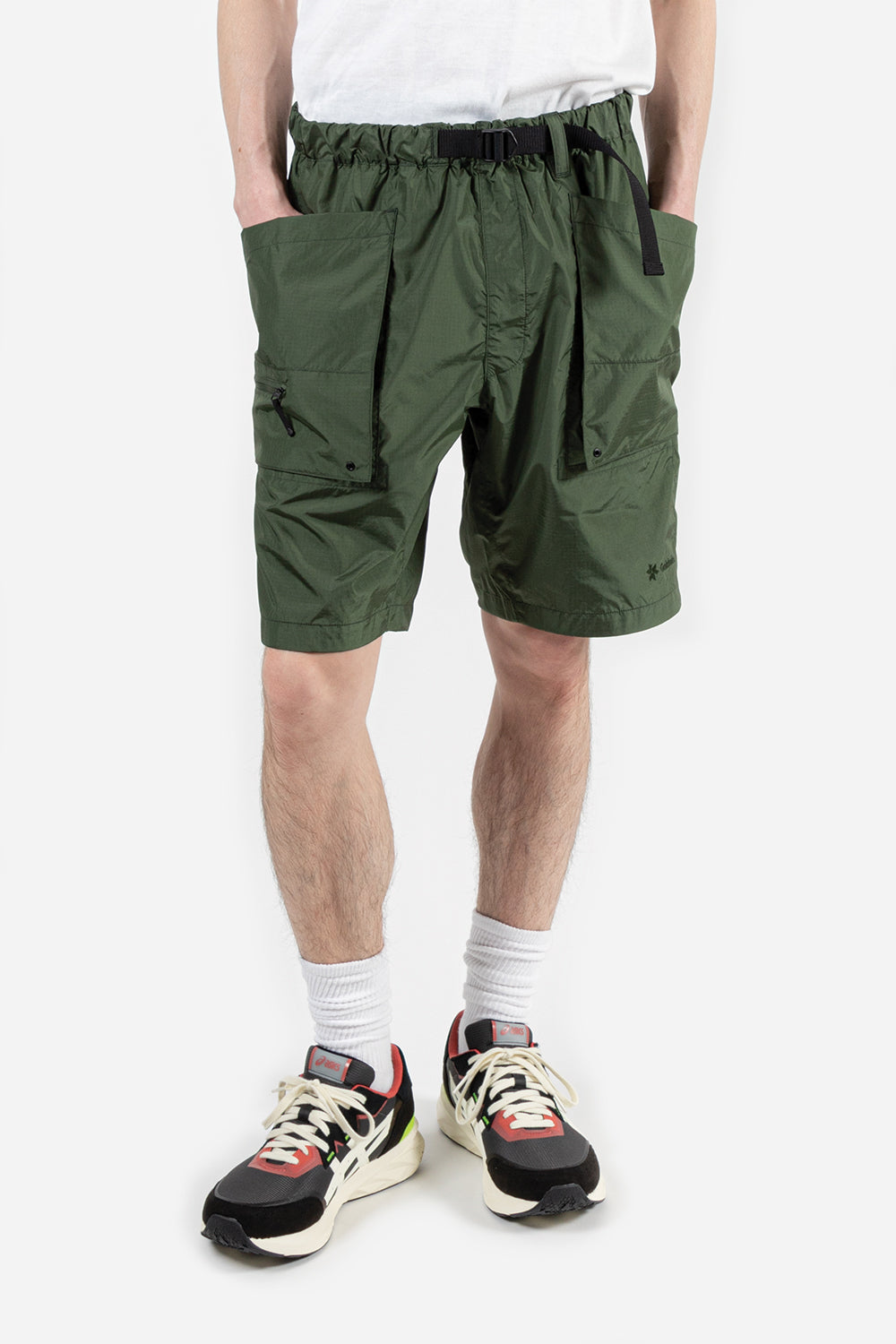 goldwin-element-mount-cargo-shorts-khaki-green